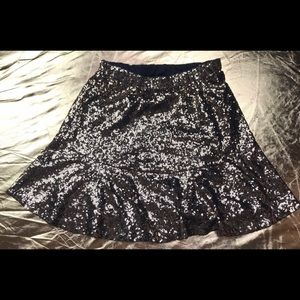 Exhilaration gold fancy sequins mini skirt